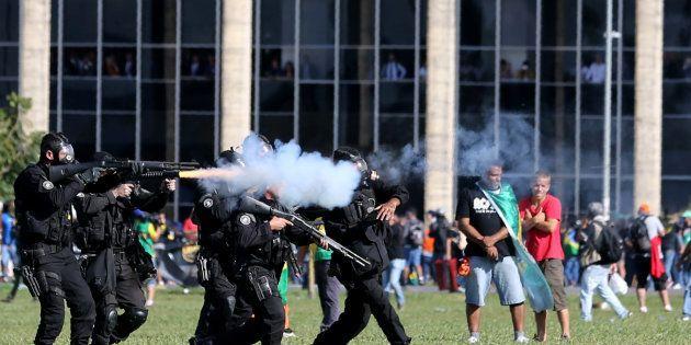 Governo Federal libera Exército para atuar em Brasília após manifestação contra presidente Michel