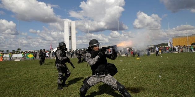 Protesto em Brasília terminou em confronto com a