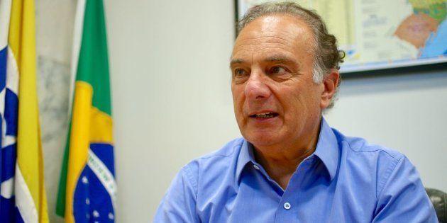 Em meio à crise que divide o partido, PSDB defende adoção do parlamentarismo para acabar com troca de...