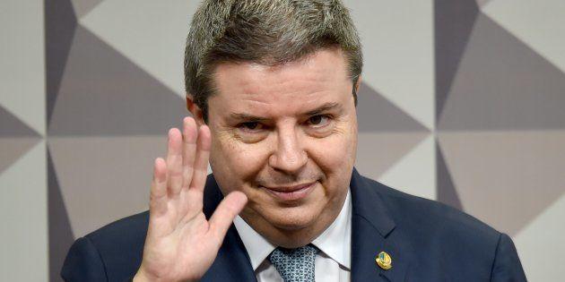 Aliado de Aécio Neves, Antonio Anastasia pode desistir de candidautra ao governo de Minas