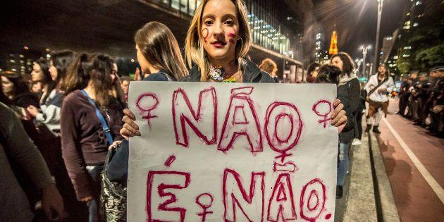 Protesto em São Paulo contra estupro coletivo de jovem no Rio de Janeiro, em