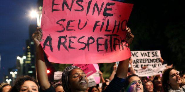 Manifestação em São Paulo contra estupro coletivo de adolescente no Rio de