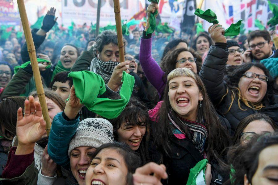 Legalização do Aborto: Mobilização de mulheres na política foi determinante para o debate sobre aborto...