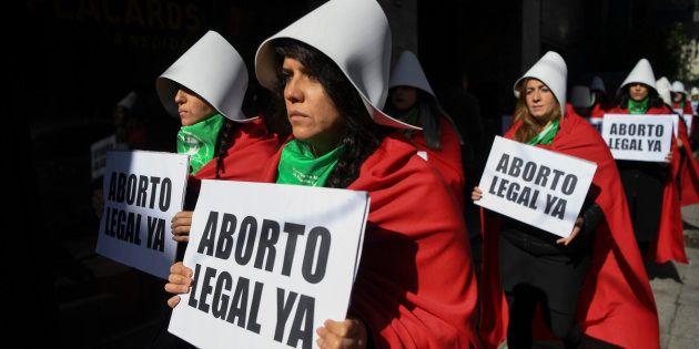 Na véspera da votação, arcebispo de Buenos Aires, Mario Poli, fez um apelo público para que os