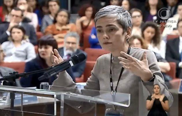 Débora Diniz participa de audiência pública no STF sobre descriminalização do