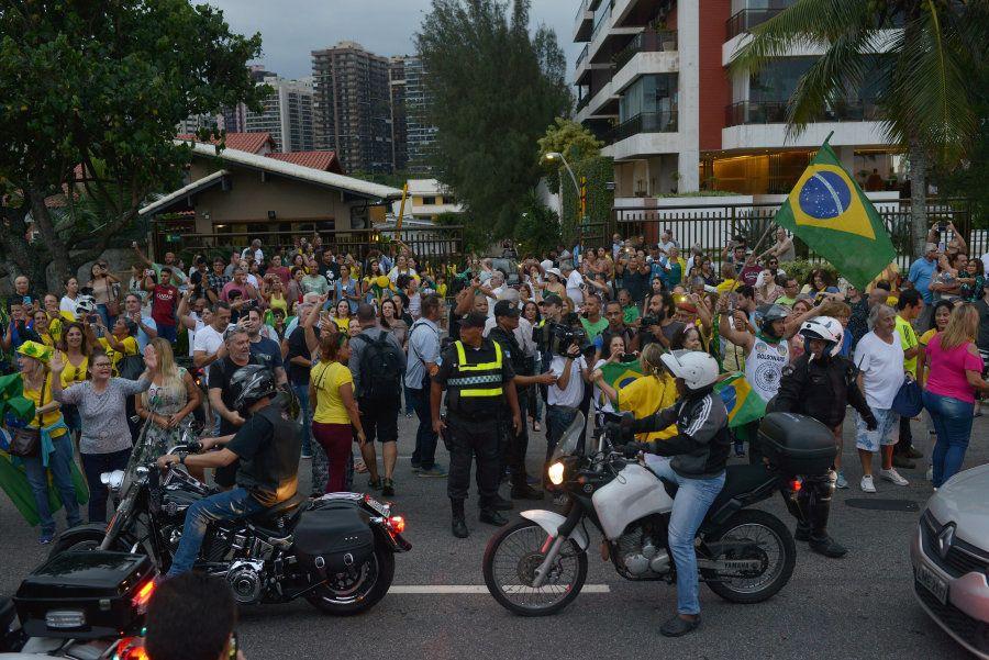 Ato pró-Bolsonaro também aconteceu neste sábado (29), no Rio de