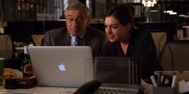 Ideia de contratar idosos é reproduzida no filme 'O estagiário', com Robert De Niro e Anne