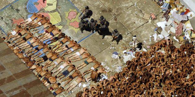 Em outubro de 1992, a Polícia Militar de São Paulomatou 111 presosem operação para controlar uma rebelião...