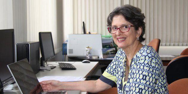 Foi ela a responsável por formar uma rede, com cerca de 30 de profissionais de diversas especialidades...