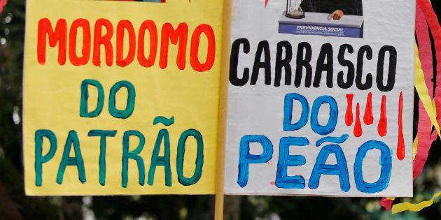 Protesto em Curitiba em março contra mudanças para