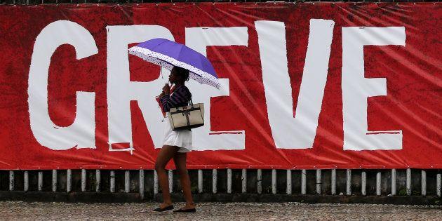 Greve geral contra as reformas trabalhista e previdenciária, em 28 de abril de
