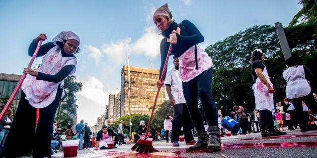 Manifestação em São Paulo protesta contra assassinatos no
