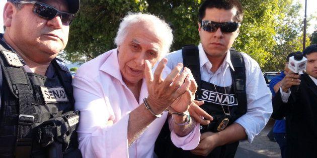O momento da primeira prisão de Roger Abdelmassih em Assunção, no Paraguai, em