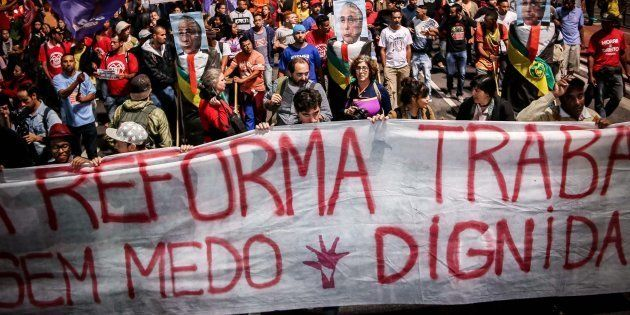 Protesto em São Paulo contra as reformas do governo de Michel