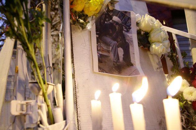 Manifestantes contra o assassinato de Ricardo transformam sua carroça em um