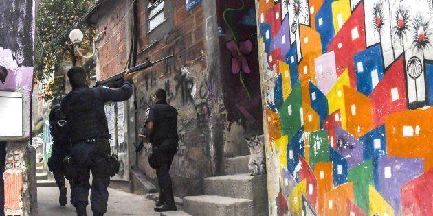 Operações policiais deixam mais de 10 mil alunos sem aulas no