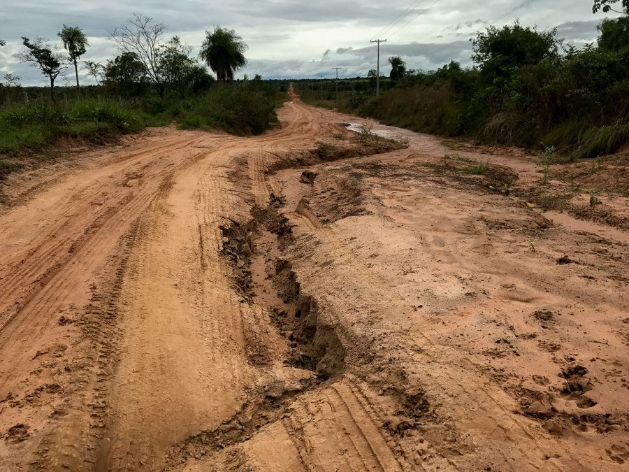 Estrada paraguaia que leva até a região das