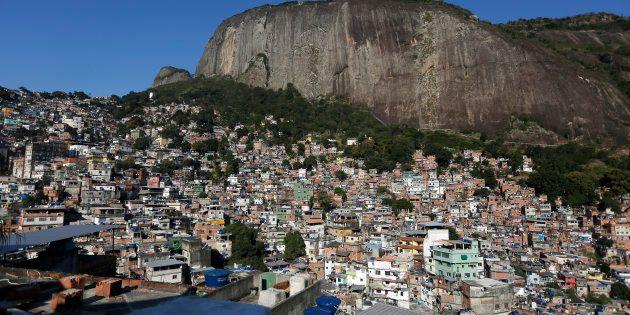 Os relatos de moradores da Rocinha ao amanhecerem sob intenso tiroteio na
