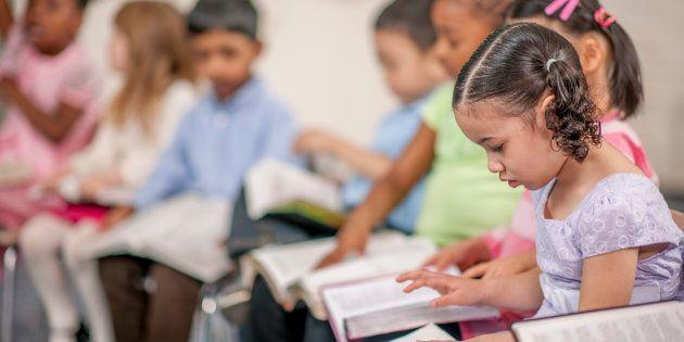 As escolas públicas são obrigadas a oferecer a disciplina facultativa aos estudantes do ensino