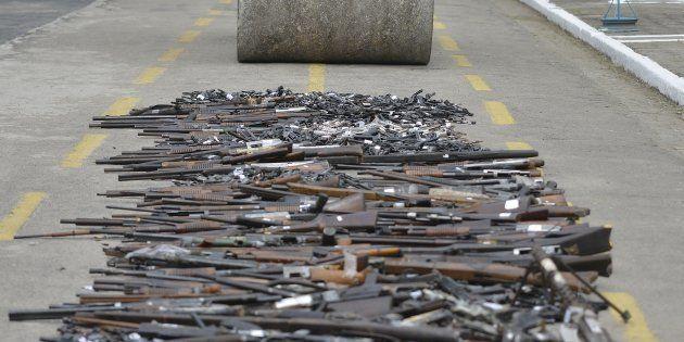 Exército brasileiro destrói armas no Rio de Janeiro em junho de