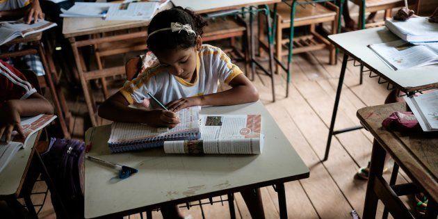 A redução das desigualdades entre as regiões brasileiras no acesso e na qualidade da educação é desafios...