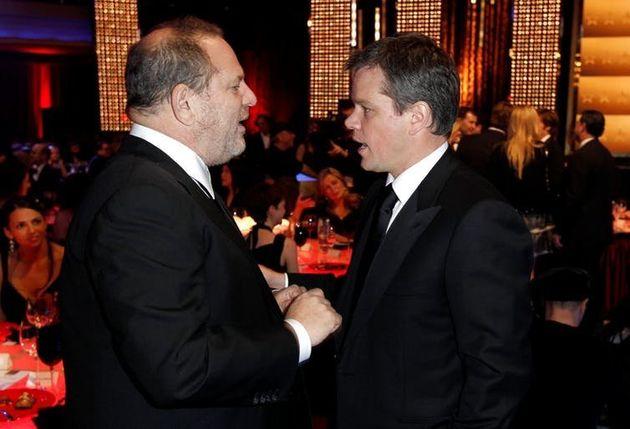 O ator Matt Damon, à direita, negou relatos de que teria ajudado a suprimir reportagens que teriam exposto...