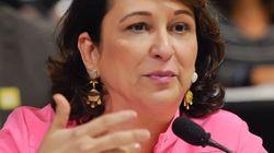 Insatisfeito com as críticas, PMDB decide expulsar a senadora Katia Abreu do