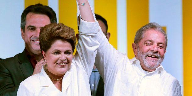 Dilma Rousseff e Lula comemoram a reeleição dela em outubro de