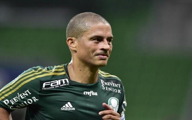 Alex: amizade com Felipão e talento de sobra não foram suficientes para levá-lo à Copa de