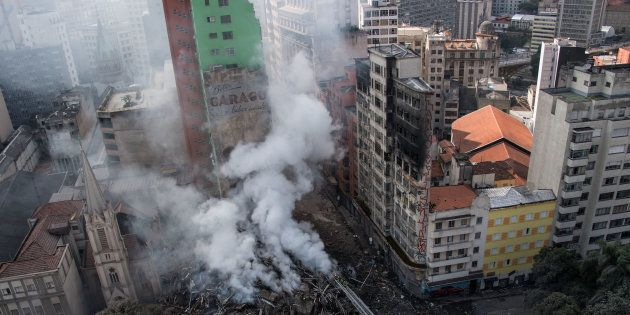 Edifício com mais de 20 andares desabou no Centro de São Paulo no início do