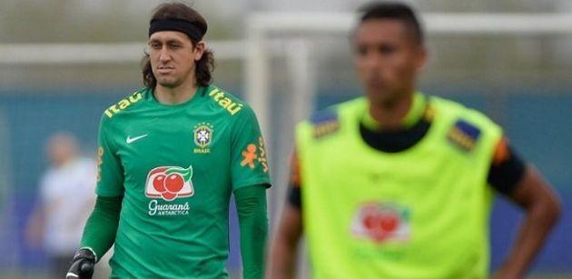 Cássio diz não se incomodar em ir para a Copa como terceiro