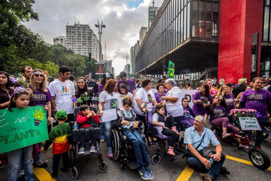 Bloco da maconha medicinal na Marcha da Maconha de 2017, em São