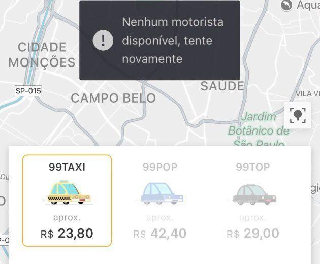Aplicativo 99 demora a encontrar taxistas e motoristas disponíveis. Preços também