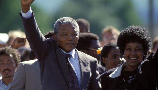 Nelson Mandela: O dia histórico em que o líder político foi solto, depois de 27 anos preso na África do