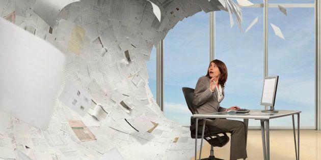 A burocracia e excesso de papelada minam a eficiência do setor