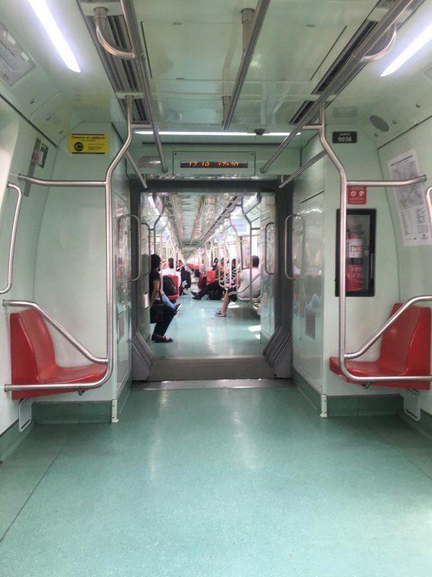 Por dentro do trem para