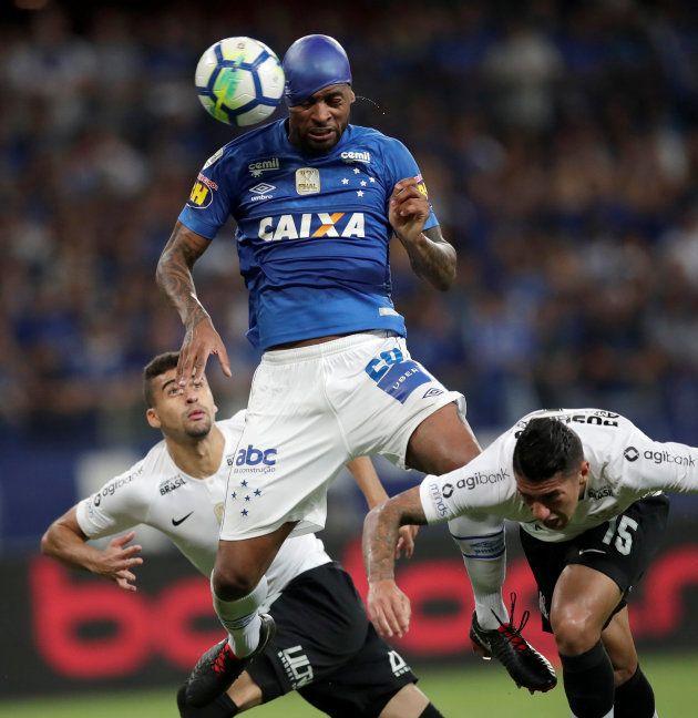 Dedé, do Cruzeiro, é o único representante que atua no Brasil na