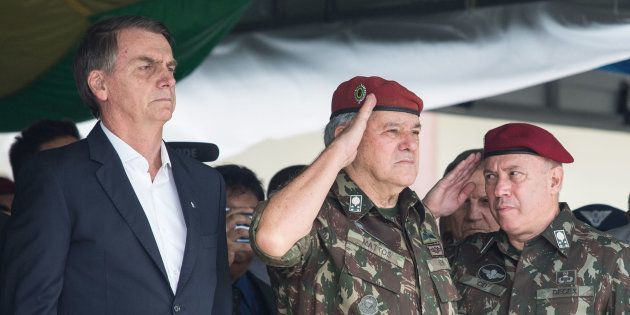 Bolsonaro cogita criação de campo de refugiados para