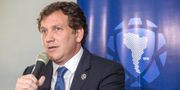 Presidente da Conmebol confirmou que partida será disputada fora da