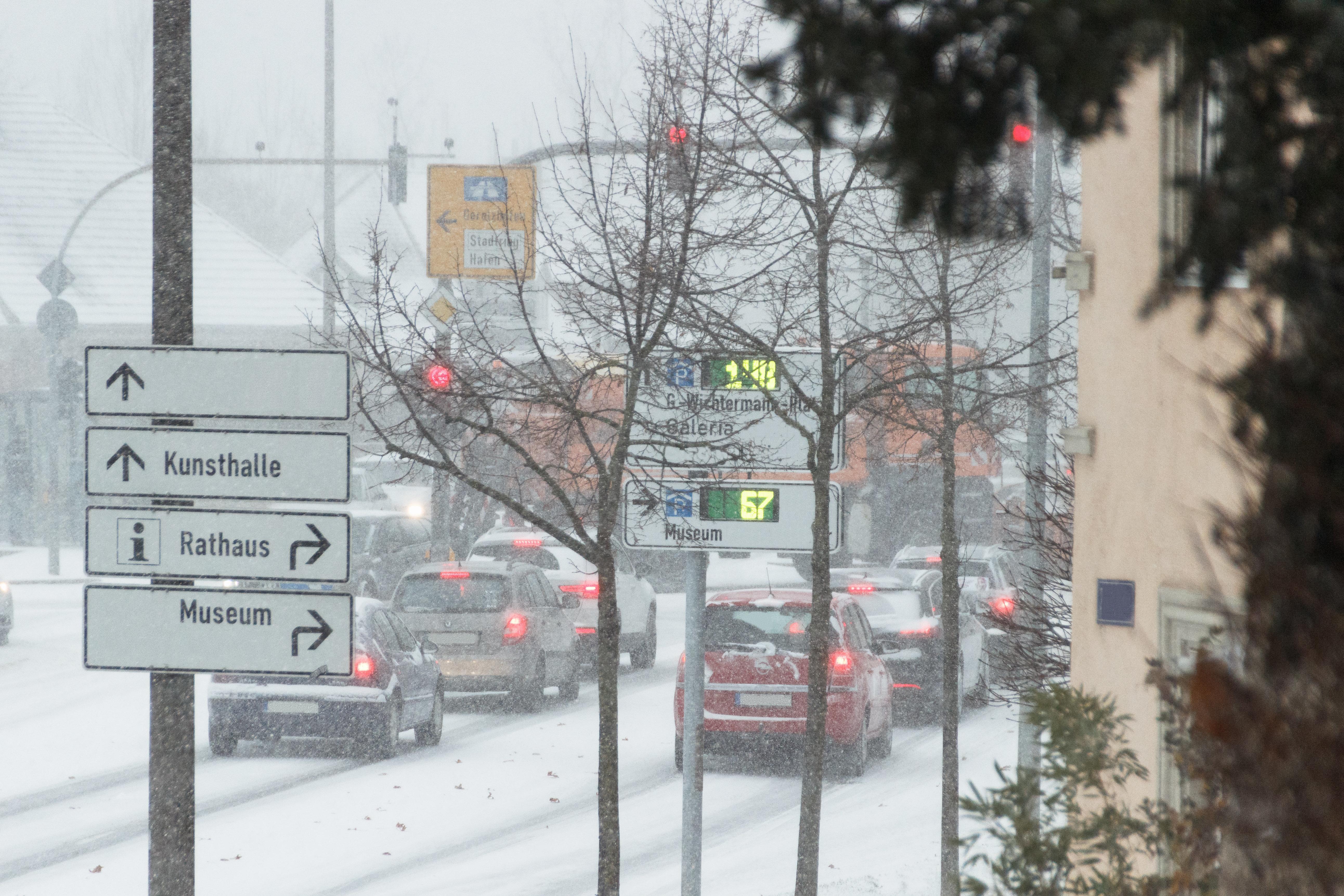 Winter-Wetter: Blizzard im Ansturm – Schnee und Wind sorgen für