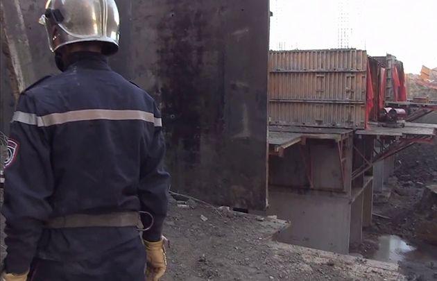 Trois morts dans l'effondrement d'une dalle d'un logement
