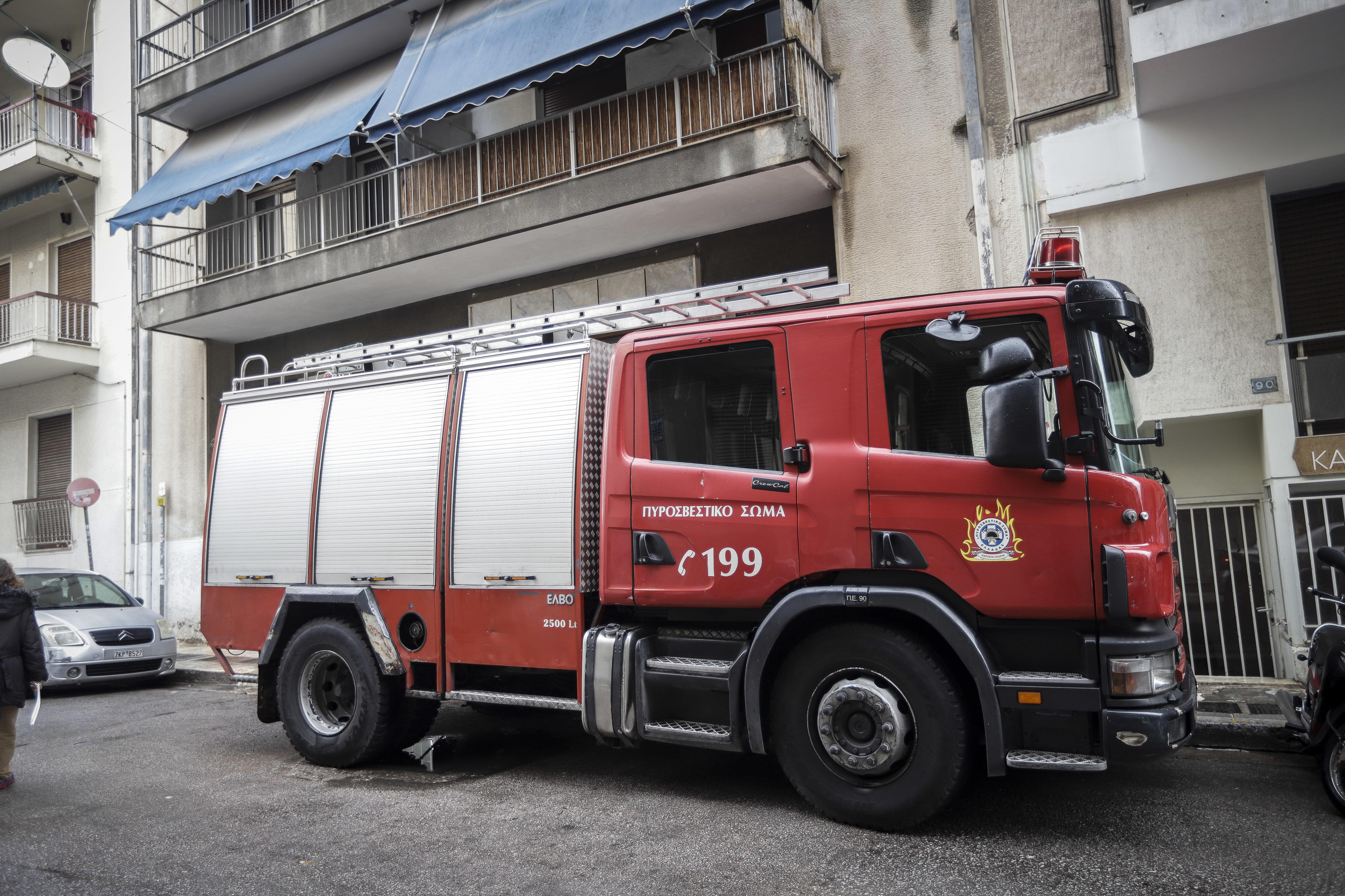 Παραλίγο τραγωδία στην Καλλιθέα: Πυροσβέστες έσωσαν δύο 5χρονα από