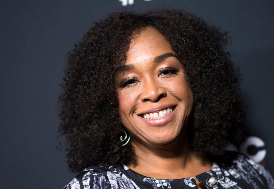 Shonda Rhimes, roteirista e produtora de séries como Grey's Anatomy, Scandal, How To Get Away With Murder...