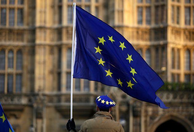 Βρετανία: Εγκρίθηκε τροπολογία που περιορίζει την εξουσία της κυβέρνησης για Brexit χωρίς