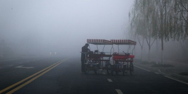 CHANGDE, CHINA - JANUARY 15: (CHINA OUT) Heavy smog strikes the whole city on early morning with a low...
