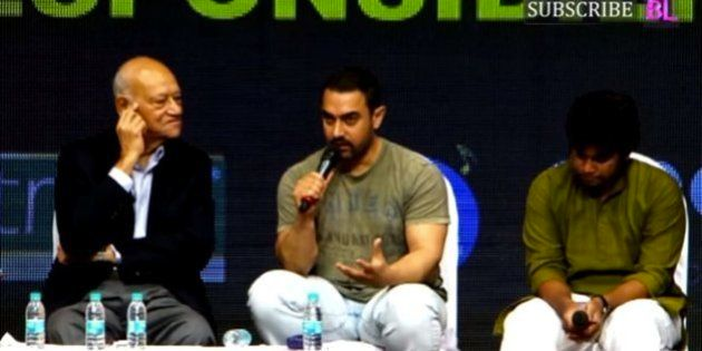 Aamir Khan 'Scolds' Actors For AIB Roast; Bollywood Reminds Him Of 'Delhi Belly' & 'Dancing