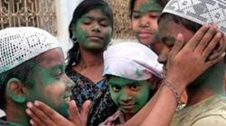 Pakistani Students Form Human Shield For Hindus To Celebrate Holi In