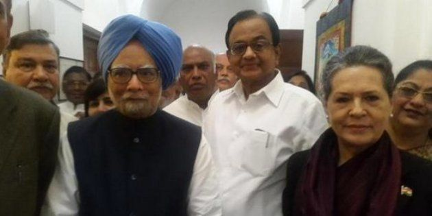 Congress Throws Its Weight Behind Former PM Manmohan Singh Summoned In Coal Block