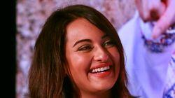 Sonakshi Sinha Claims Golden Kela Award For Worst
