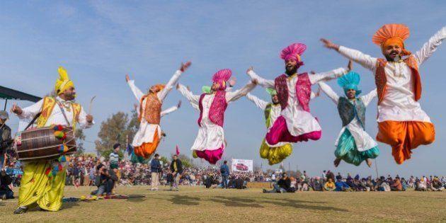 Photoblog: Bullock Cart Races, Dancing Ponies And Bike Stunts At Kila Raipur Rural